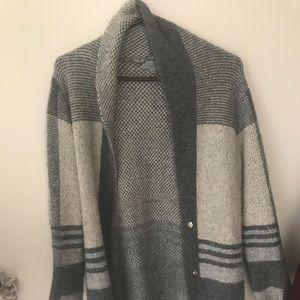 Sweaters - Long wool cardigan